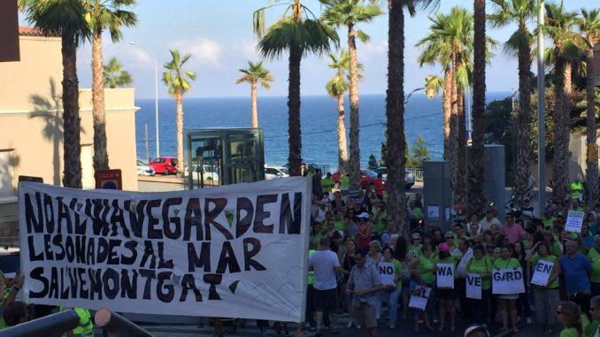 Manifestació del 27 de juliol a Montgat contra la creació del Wavegarden Montgat.