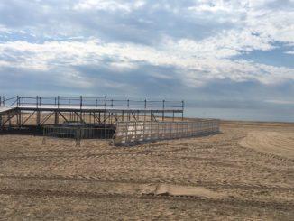 El nou escenari de les Barraques de Malgrat és a la platja. Foto: RN