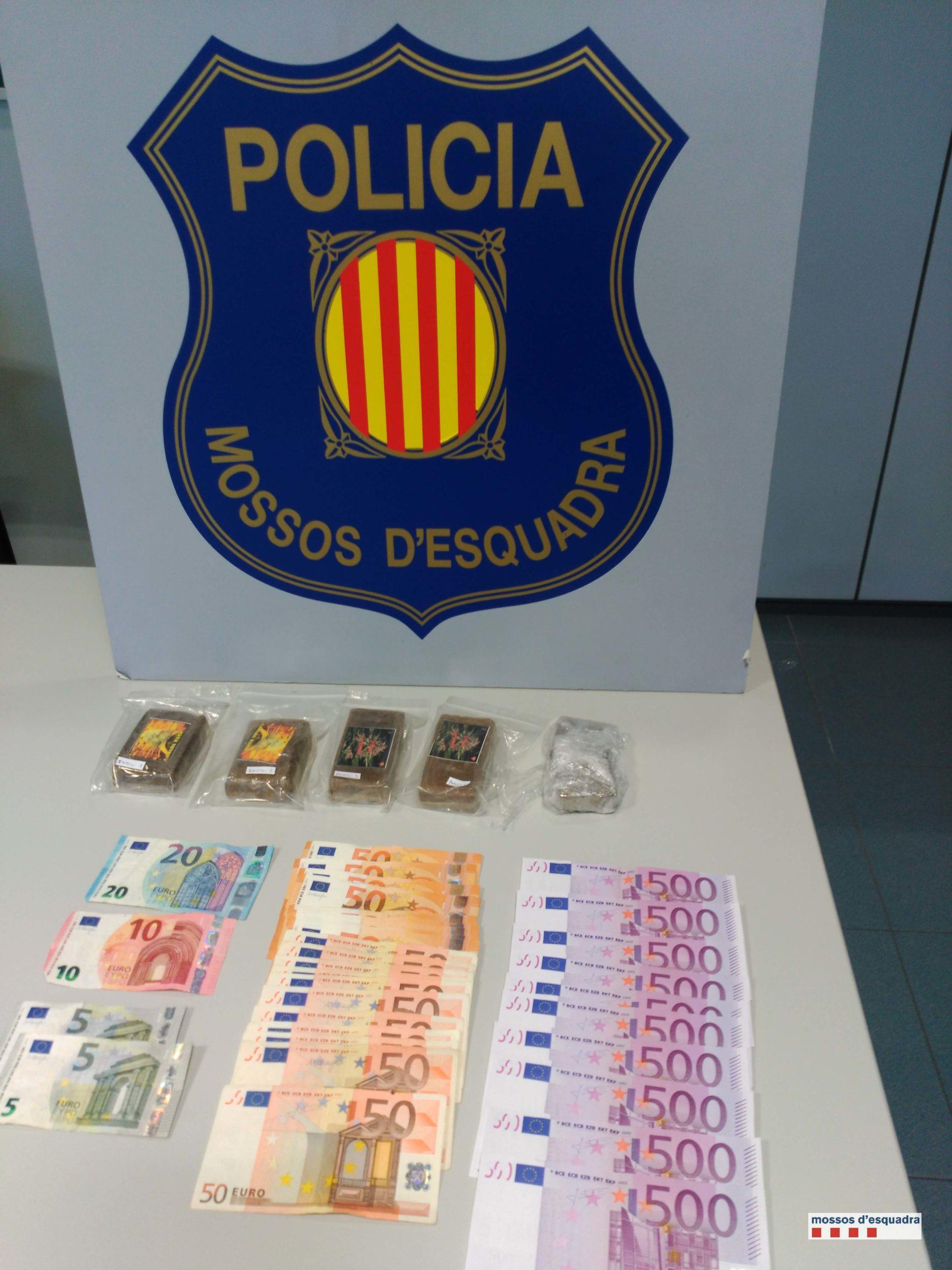 Detinguts per tràfic de drogues a Pineda de Mar. Foto: CME