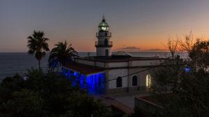El Far de Calella iluminat de blau amb motiu del DIa Mundial de la Diabetis. Foto: Aj. Calella.