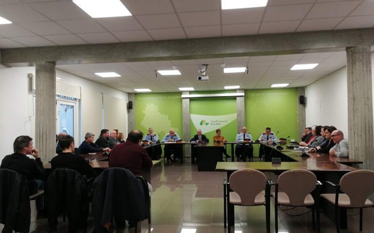 Trobada dels alcaldes de la Selva amb Interior i comandaments policials al Consell Comarcal. Foto: laselva360