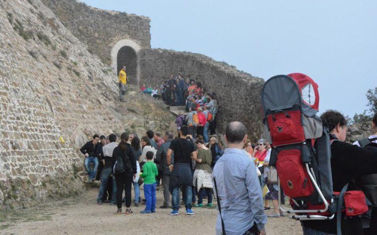 Visitants al castell de Montsoriu. Foto: CC Selva