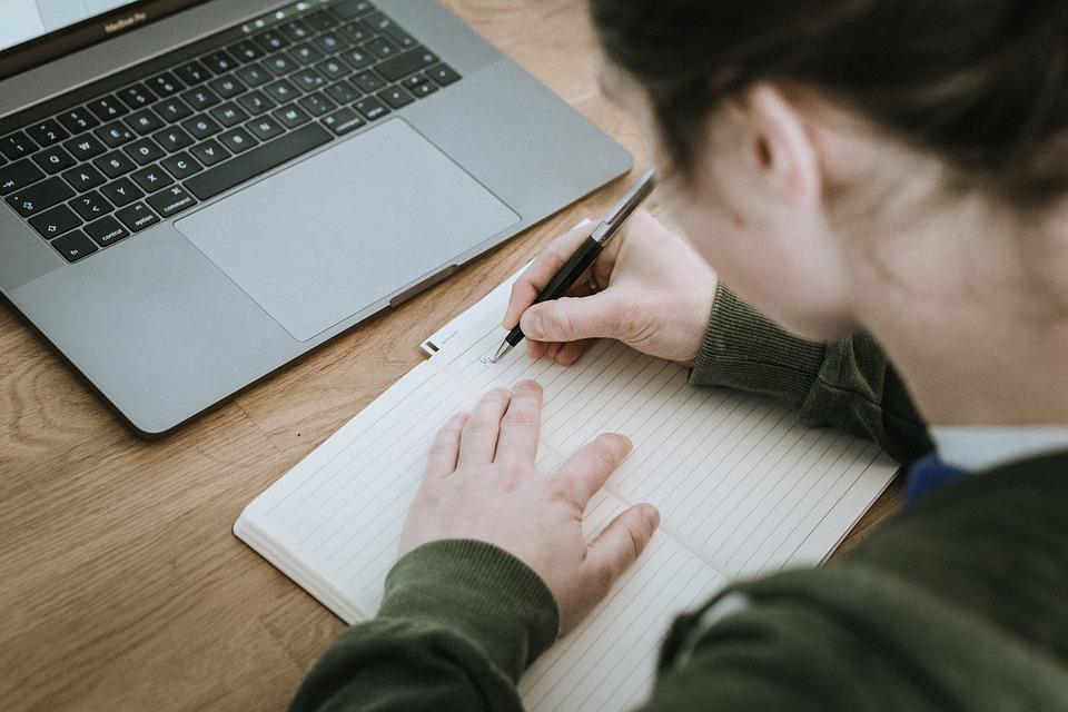 Un 33% dels joves del Maresme deixa d'estudiar als 17 anys