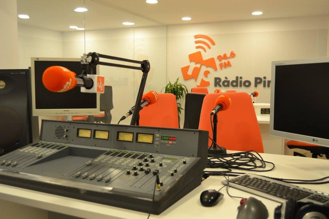 Ràdio Pineda és una de les impulsores de 'Treu la ràdio al balcó'