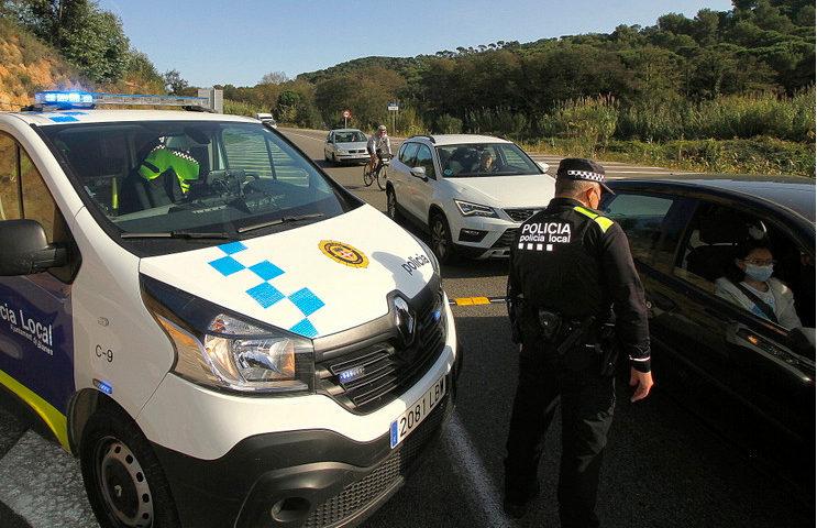 Un control de la Policia Local de Blanes. Foto: Cedida a l'ACN per l'Ajuntament de Blanes