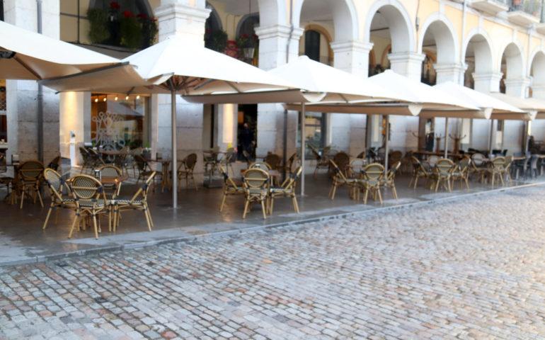 Les terrasses buides de la Plaça Independència de Girona