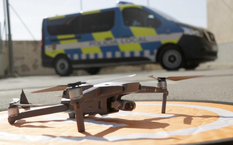 El dron de la Policia Local de Canet de Mar. Foto: Jordi Pujolar