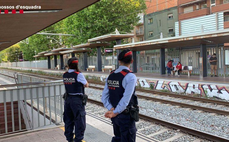 Mossos d'Esquadra a una estació de tren
