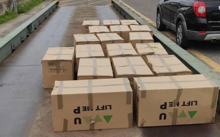 Caixes amb la droga interceptada per la Policia Municipal de Girona. Foto: cedida a l'ACN per la Policia Municipal de Girona
