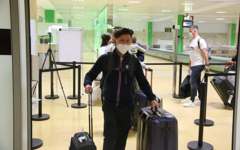 Turista arribant a l'Aeroport de Girona