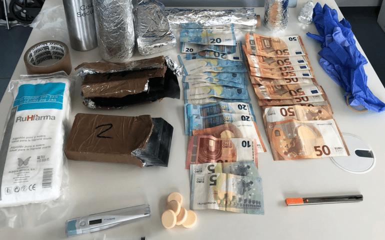 Dos detinguts a Pineda per l'estafa dels bitllets tintats