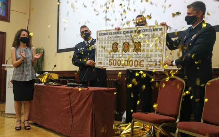Acte de celebració de la xifra aconseguida a la campanya Pels Valents