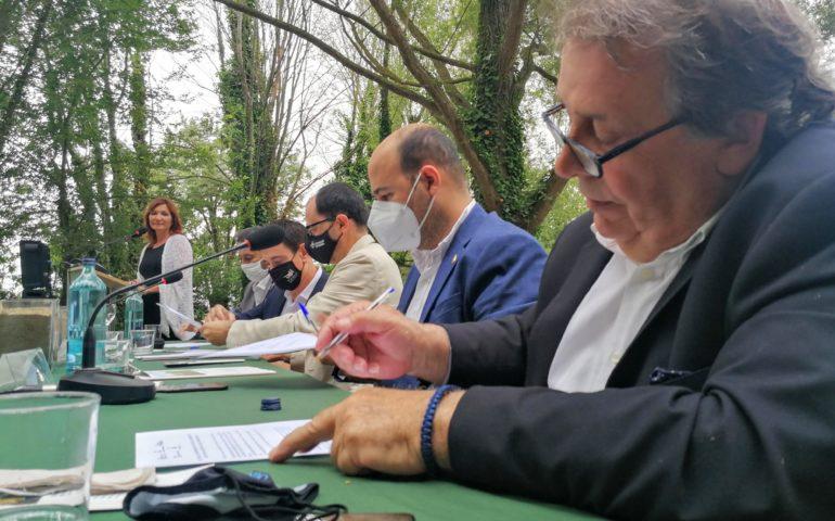 Els alcaldes dels municipis impulsors de l'espai agrari de la Baixa Tordera