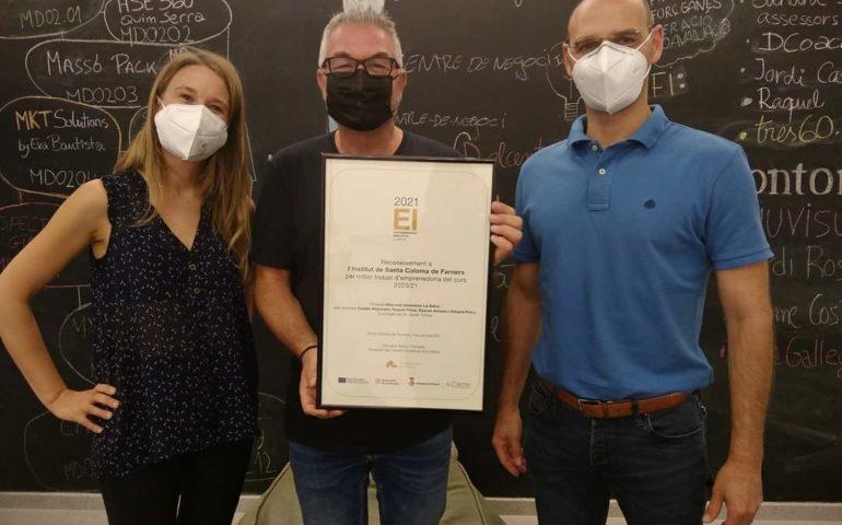 Entrega del diploma a la millor iniciativa d'emprenedoria de la Selva. Foto: CC de la Selva