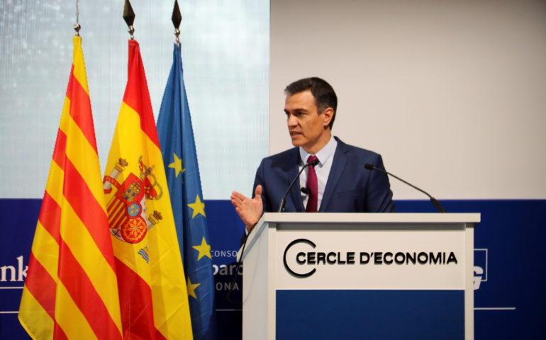 La mascareta deixarà de ser obligatòria a l'aire lliure el 26 de juny segons ha explicat el president espanyol.
