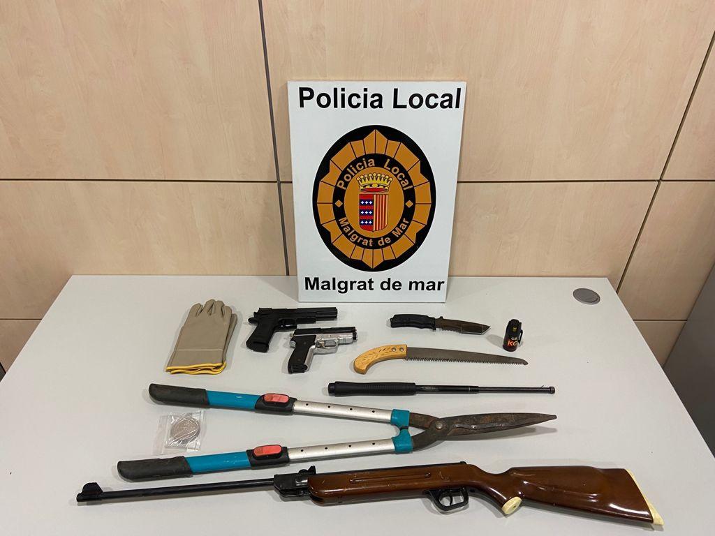 Objectes intervinguts per la policia local de Malgrat