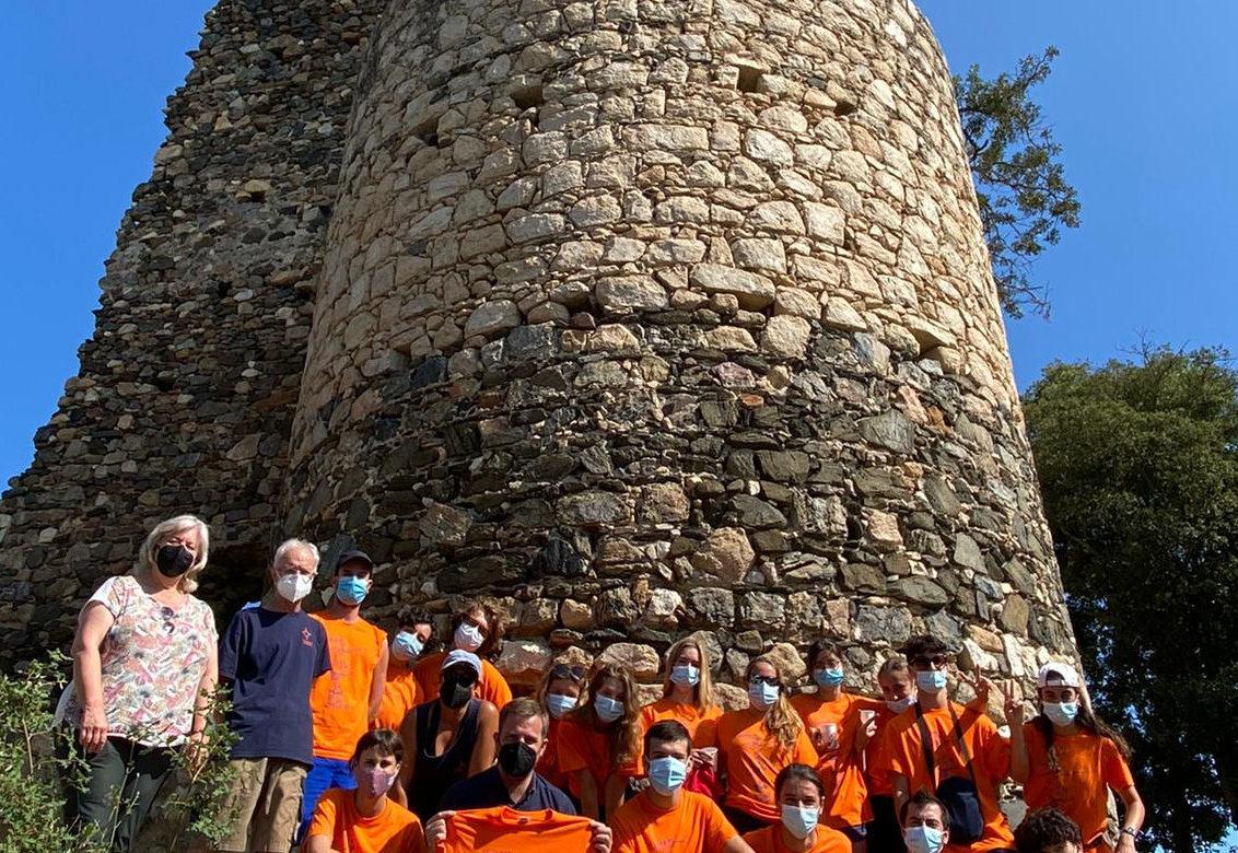 L'equip de voluntaris de les excavacions 2021 al castell Sant Iscle de Vidreres